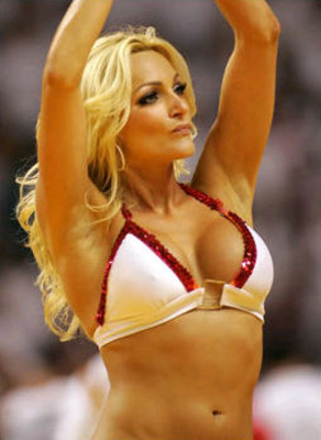 bulls-cheerleader-1_display_image