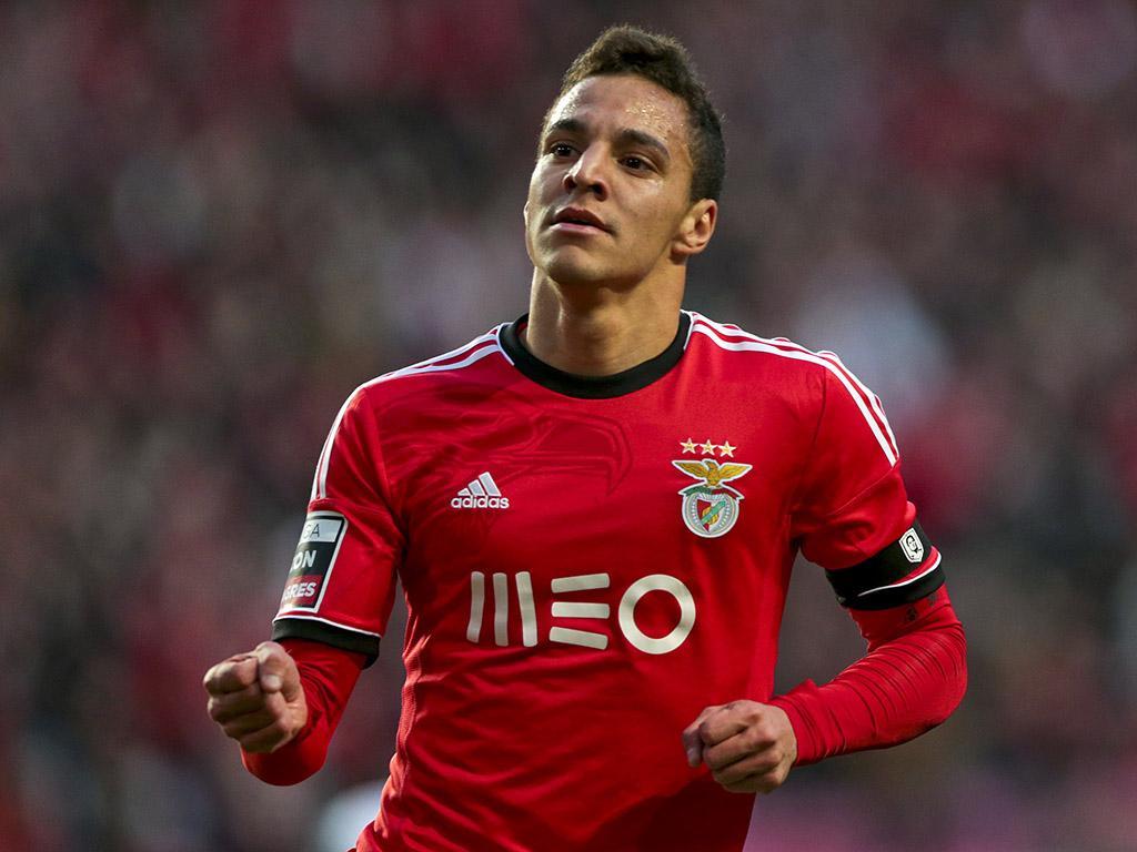 Rodrigo, dorit la Manchester şi Chelsea