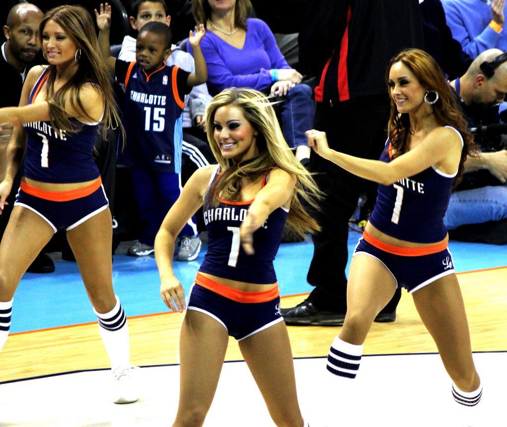 charlotte-bobcats-cheerleaders-still-owning-t-L-g1y0F9