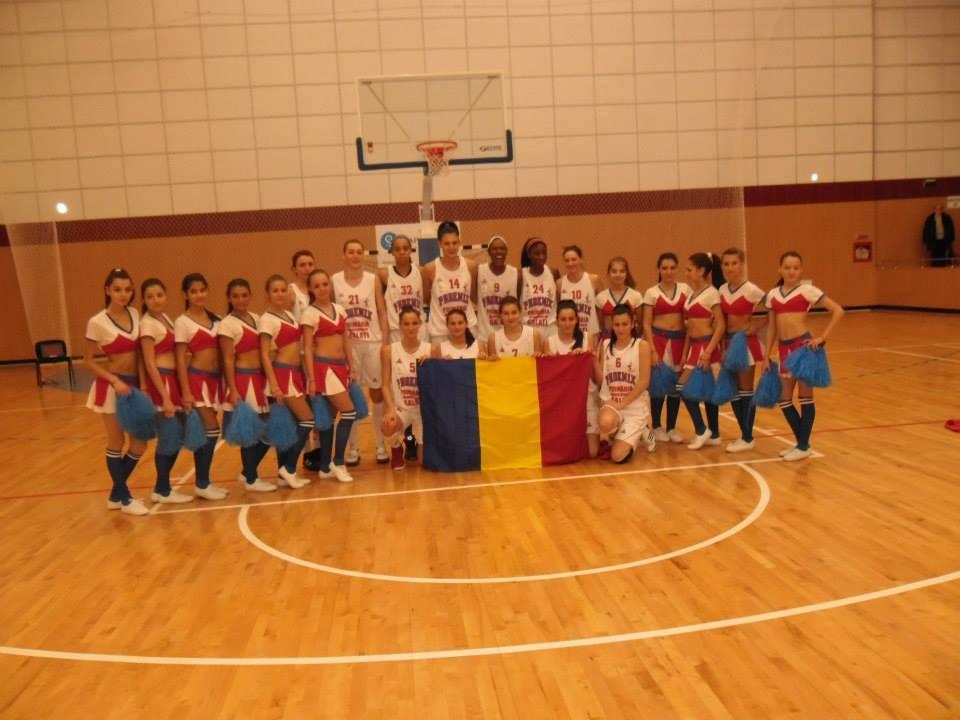 Curry ne recomanda un meci din baschetul feminin din Romania