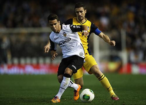 Napoli, duel cu Chelsea pentru Bernat