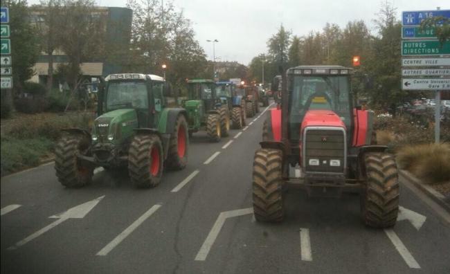 Fanii lui Guingamp, deplasare cu…tractorul!
