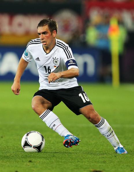 Lahm nemultumit de egalul cu Hamburger SV
