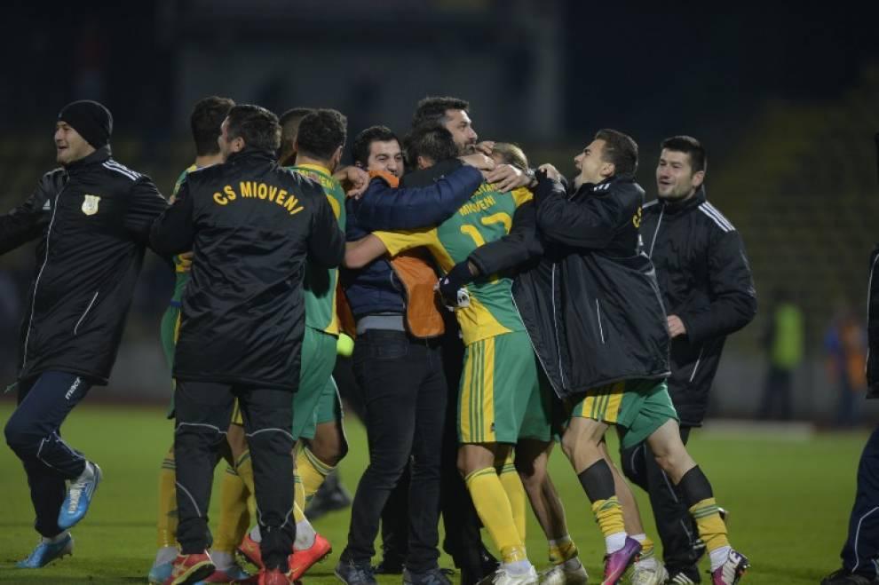 Bilete Pariuri : Madalin propune pauza final la un meci din liga 2-a Romania  !