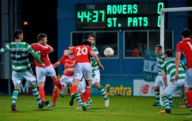 Ponturi fotbal St. Patricks vs Dundalk – Premier Division