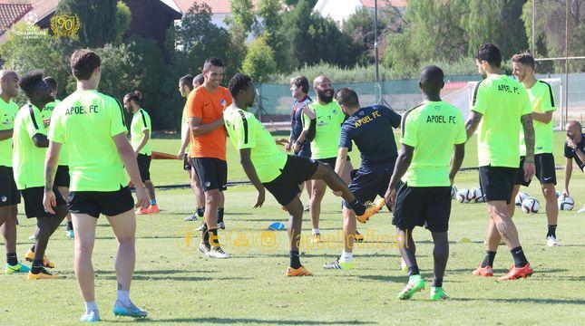 Ponturi fotbal TNS – APOEL – Calificari Liga Campionilor