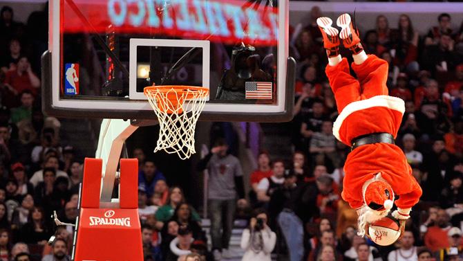 Ponturi baschet – Mos Craciun vine si la fanii NBA in seara aceasta