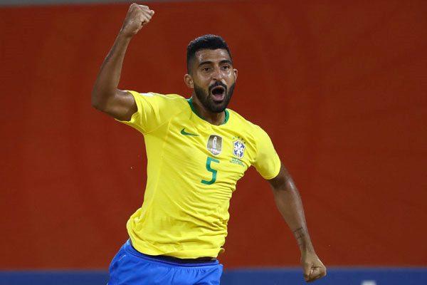 brazilia fotbal pe plaja small